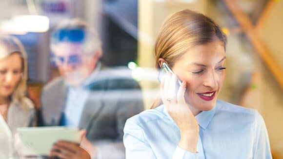 business-women-on-cellphone
